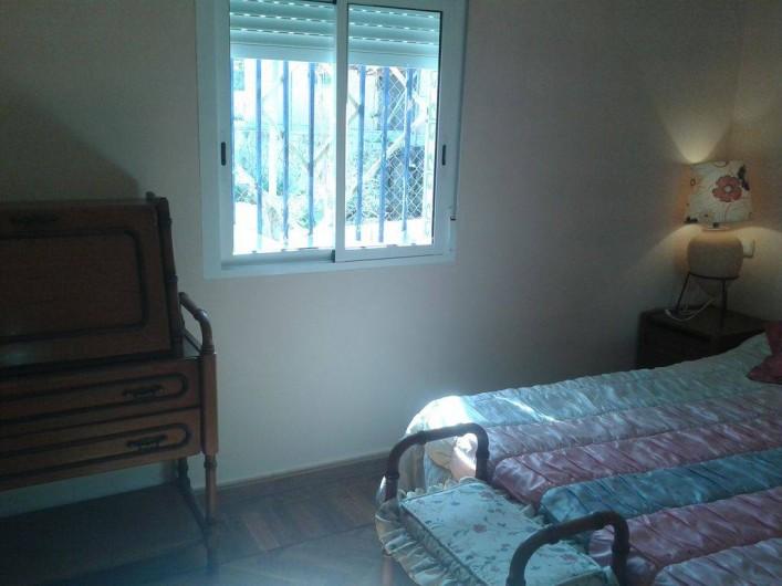 Location de vacances - Villa à Monòver - Chambre num. 2. Donne sur jardin.