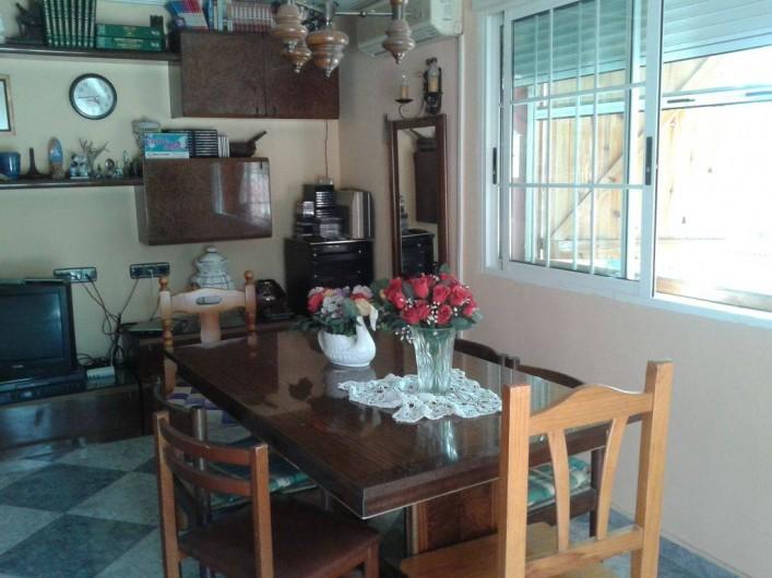 Location de vacances - Villa à Monòver - Salle à manger dans le salon d'été.