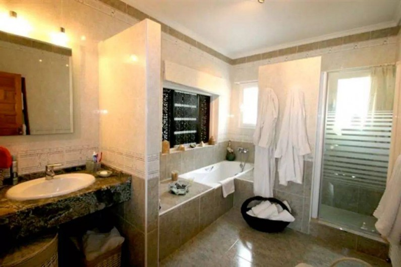 Location de vacances - Villa à El Poble Nou de Benitatxell - Salle de bain Etage