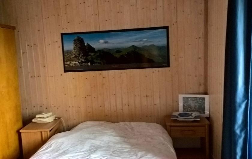 """Location de vacances - Gîte à Thiézac - Chambre """"Grèce"""""""