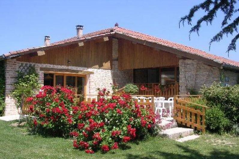 Location de vacances - Chambre d'hôtes à Saint-Lattier - coté terrasse
