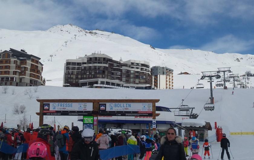 Location de vacances - Appartement à Tignes - a droite Le grand Roc vue des pistes.