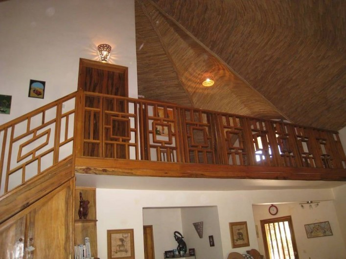 Location de vacances - Villa à Saly - A l'étage : 1 chambre, la mezzanine, 1 salle de douche.
