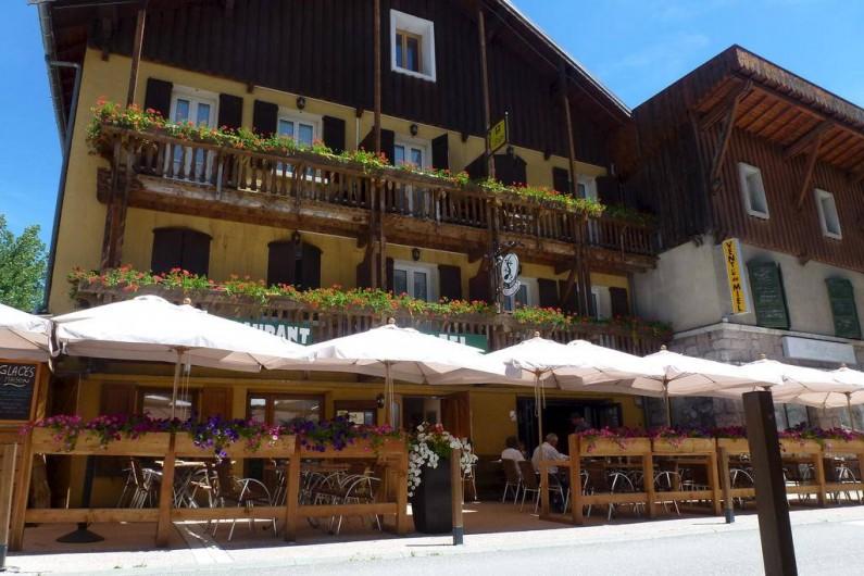 Location de vacances - Hôtel - Auberge à Abries - Hotel + Terrasse