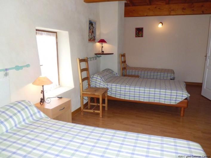 Location de vacances - Gîte à La Livinière - chambre n° 2 3 lit simple
