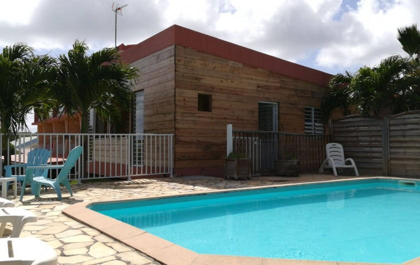 Location de vacances - Studio à Le Vauclin - Résidence Macabou - T4 Ixora juste devant la piscine