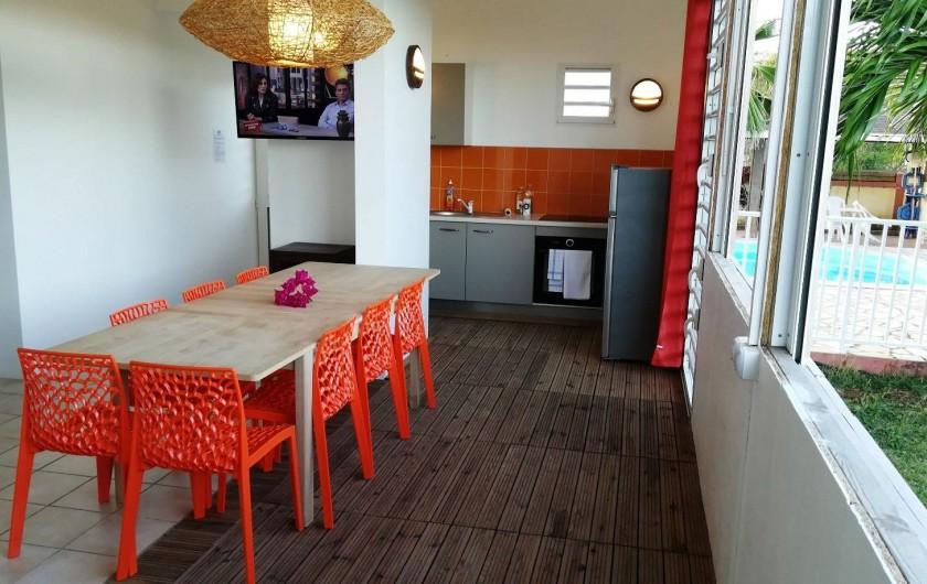 Location de vacances - Studio à Le Vauclin - Résidence Macabou - Séjour/Terrasse et Cuisine du T4 Ixora