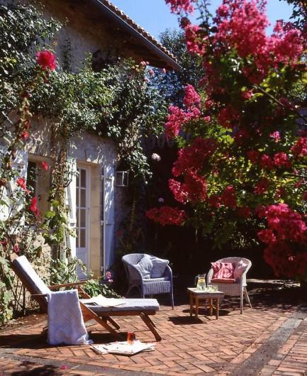Location de vacances - Mas à Lusignac - terrasse