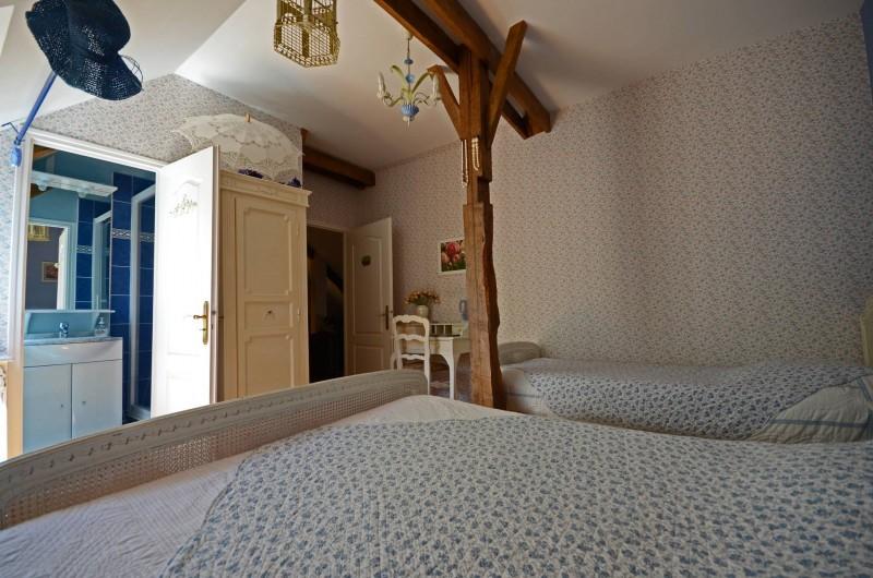 Location de vacances - Chambre d'hôtes à Melrand - Chambre Bleuet (pour 3) - 2nd étage