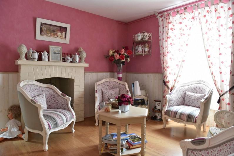 """Location de vacances - Chambre d'hôtes à Melrand - Salon d'hôtes """"Rose"""""""