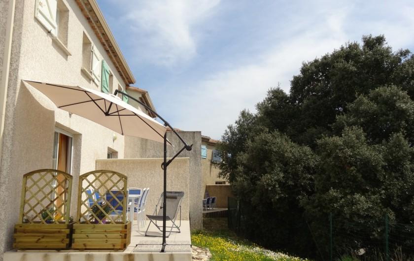 Location de vacances - Maison - Villa à Salavas - terrasse ensoleillée