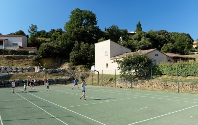 Location de vacances - Maison - Villa à Salavas - terrain multisport