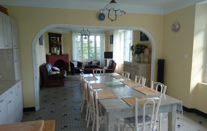 Location de vacances - Gîte à Alrance - Grand Séjour très lumineux et agréable