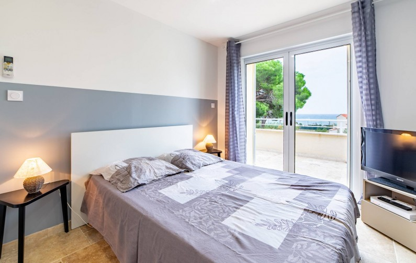 Location de vacances - Villa à Sainte-Maxime - chambre bleue