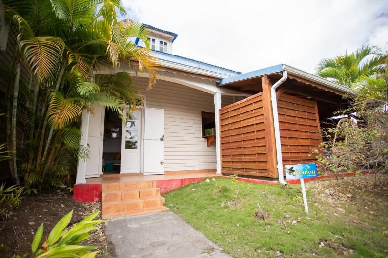 Location de vacances - Villa à Sainte-Anne - Séjour accueillant 3 personnes dans la villa labellisée Tourisme et Handicaps