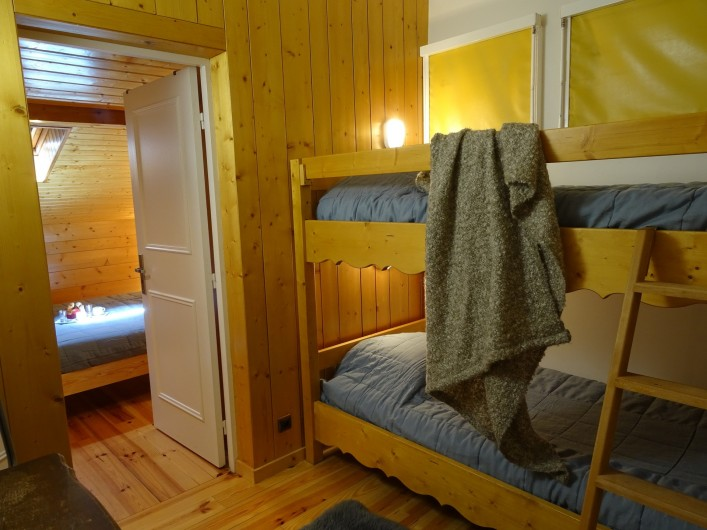 Location de vacances - Appartement à Saint-Lary-Soulan - chambre 4 attenante chambre 5