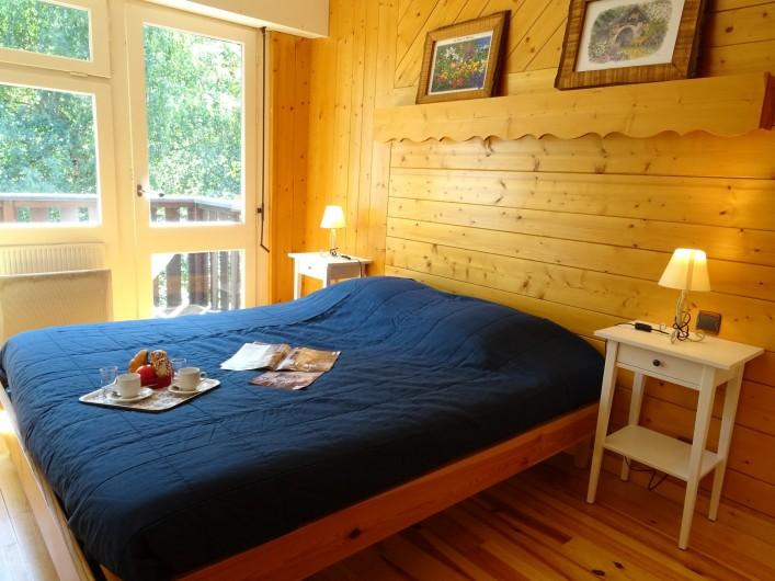 Location de vacances - Appartement à Saint-Lary-Soulan - Chambre 2 avec accès balcon