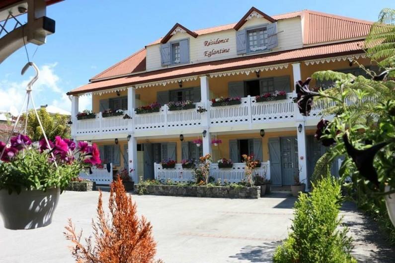 Location de vacances - Villa à Cilaos - Façade de la Résidence Eglantine