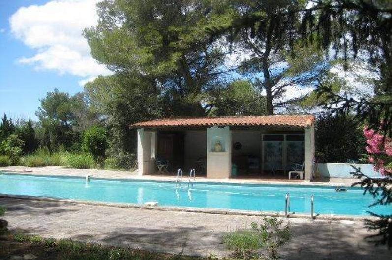 Location de vacances - Mas à Paradou - Piscine (18m*6m) et son Poule House, entièrement clôturé