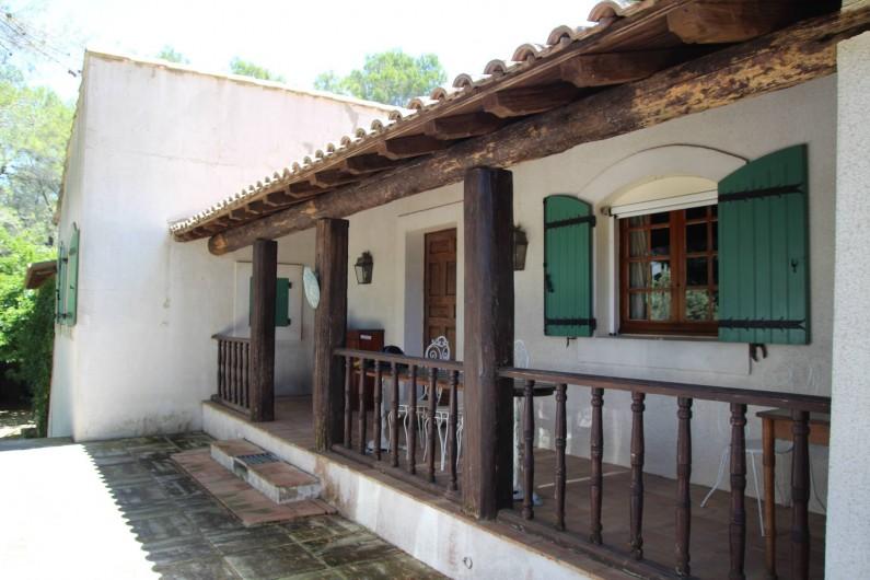 Location de vacances - Mas à Paradou - Notre pinède provençale