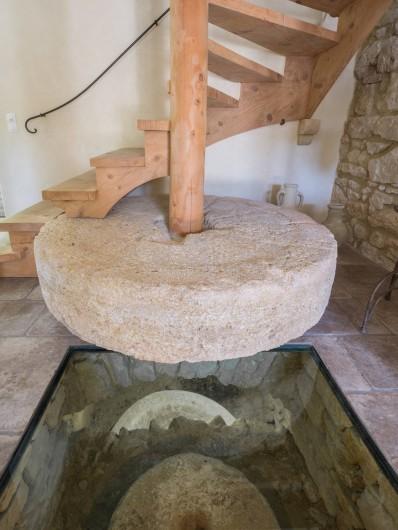 Location de vacances - Mas à Foissac - ancienne meule du moulin
