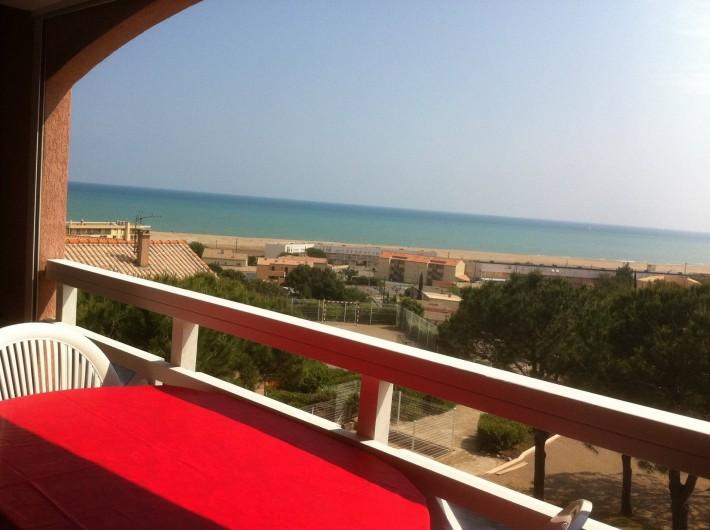 Location de vacances - Appartement à Saint-Pierre la Mer - Vue mer balcon