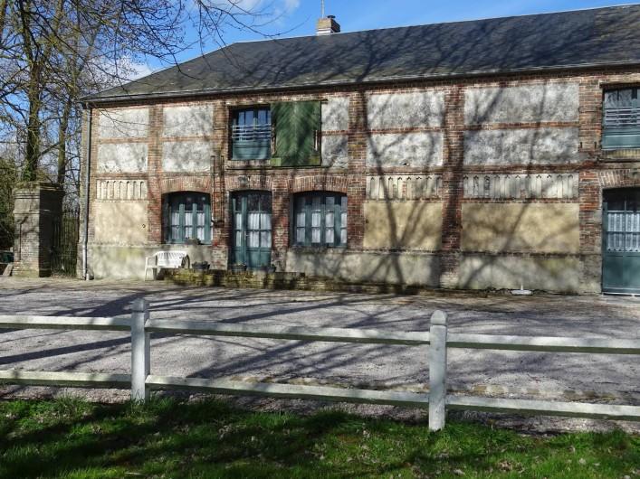 Location de vacances - Gîte à Ponthoile - vue sur la cour