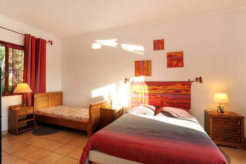 """Location de vacances - Chambre d'hôtes à Salses-le-Château - La chambre """"La Vigne"""""""
