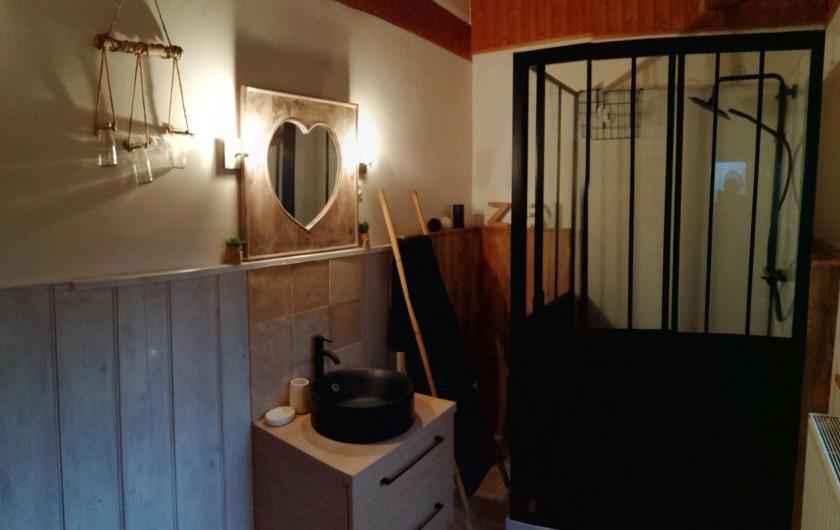 Location de vacances - Chambre d'hôtes à Douville - salle de bain