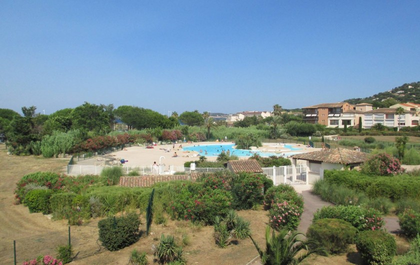 Location de vacances - Appartement à Gassin - PISCINE