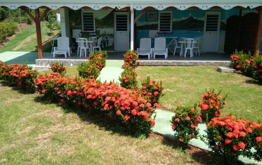 Location de vacances - Appartement à Sainte-Anne - Jardin