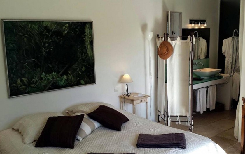 chambres d 39 h tes gordes dans le luberon vaucluse. Black Bedroom Furniture Sets. Home Design Ideas