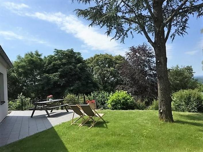 Location de vacances - Appartement à Fontain - Terrasse et jardin privatifs: