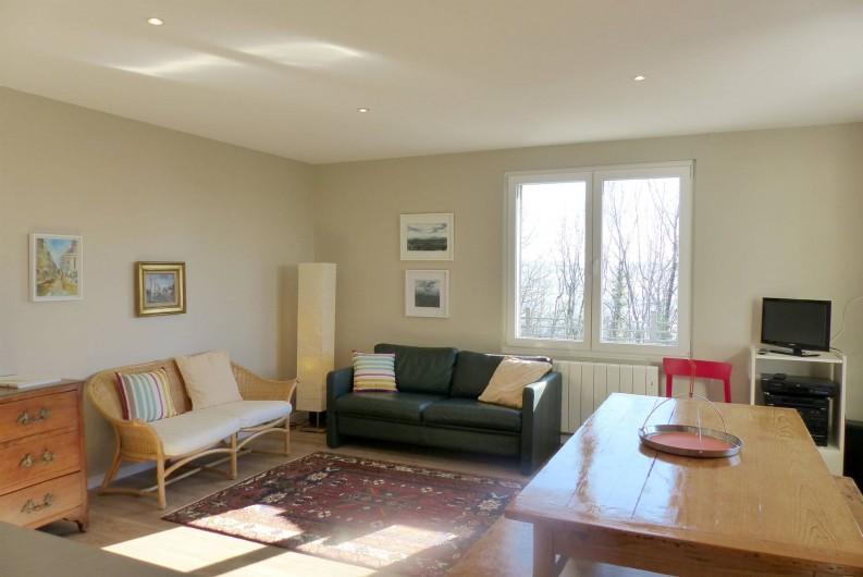 Location de vacances - Appartement à Fontain - Pièce à vivre très lumineuse équipements HIFI, WIFI, TV