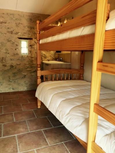 Location de vacances - Gîte à Malaucène - Chambre 2 personnes (enfants) (étage)