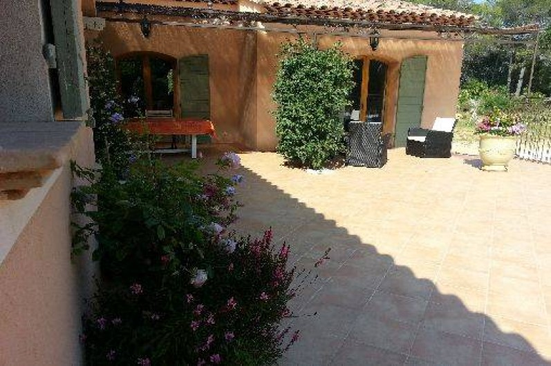 Location de vacances - Chambre d'hôtes à Cotignac - terrasse