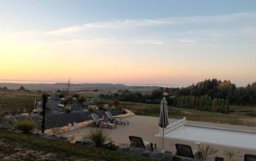 Location de vacances - Chambre d'hôtes à Marcillac-Saint-Quentin - Couché de soleil
