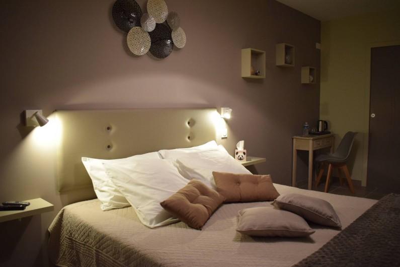 Location de vacances - Chambre d'hôtes à Marcillac-Saint-Quentin - Brume d'Eté