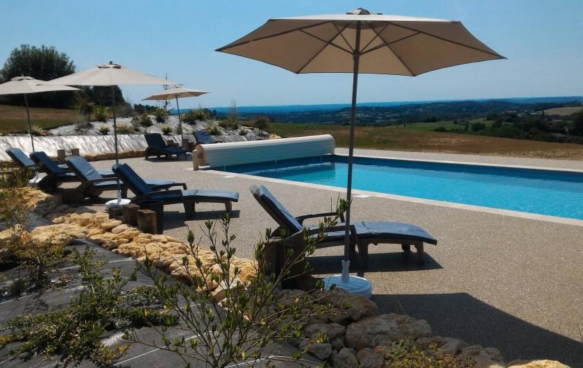 Location de vacances - Chambre d'hôtes à Marcillac-Saint-Quentin - Piscine