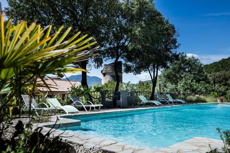 Location de vacances - Gîte à Colombières-sur-Orb - piscine, gîtes du château de Colombières