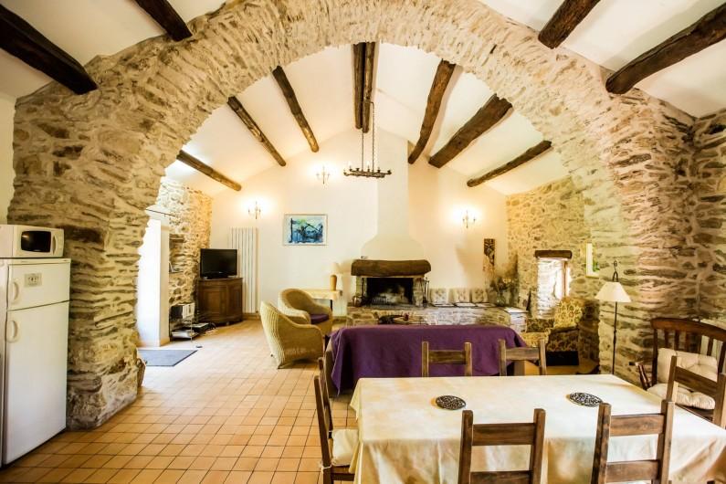 Location de vacances - Gîte à Colombières-sur-Orb - salon  le musicien, gîtes du château de Colombières
