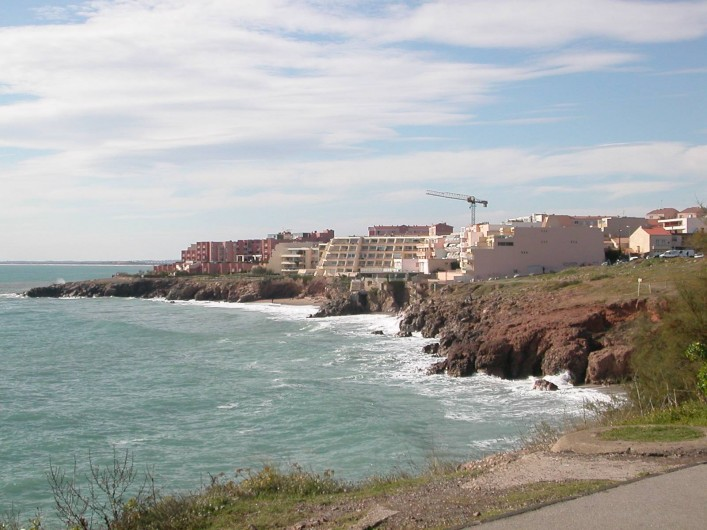Location de vacances - Appartement à Sète - La corniche de falaise rouges