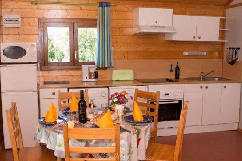 Location de vacances - Gîte à Le Pont-de-Montvert - Cuisine Chalet Moyen