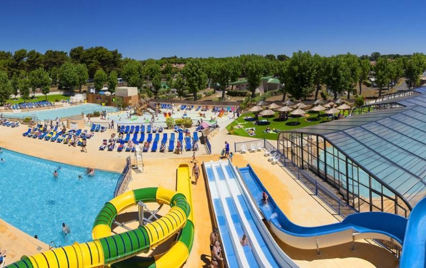 Location de vacances - Bungalow - Mobilhome à Vendres - Le Parc Aquatique vue des toboggans