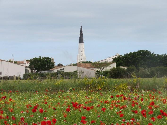 Location de vacances - Villa à Ars-en-Ré - Le clocher (Amer) Ars en Ré