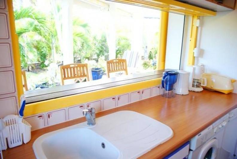 Location de vacances - Villa à Saint-François - Cuisine avec accès terrasse