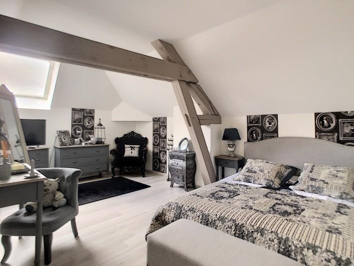 Location de vacances - Chambre d'hôtes à Villechétif - PISCINE ET JARDIN