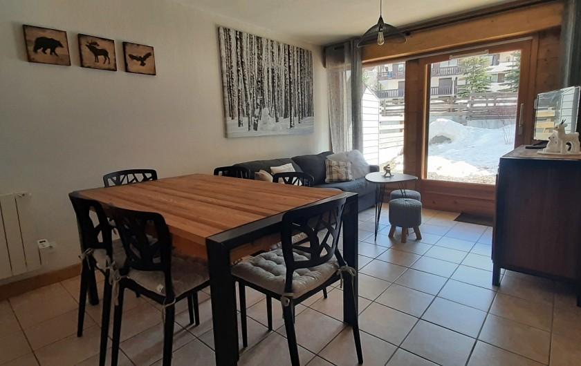 Location de vacances - Appartement à Les Deux Alpes - salon avec canapé convertible