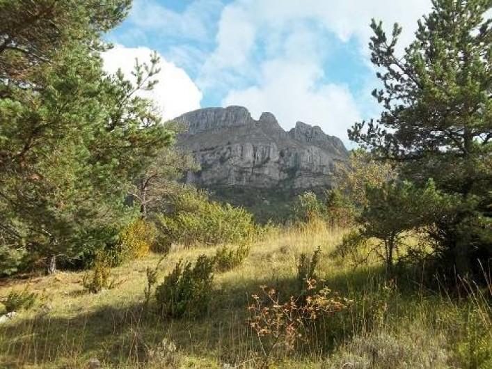 Location de vacances - Bungalow - Mobilhome à Blieux - belle escapade au pied des roches
