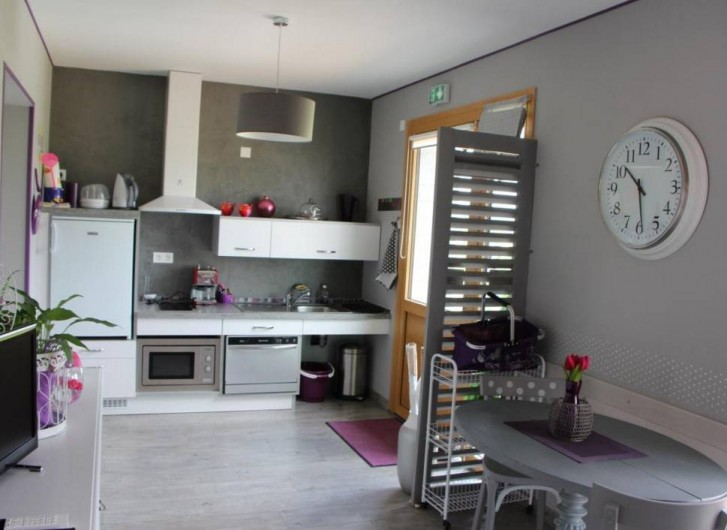 Location de vacances - Gîte à Sept-Frères - la kitchenette adaptée PMR